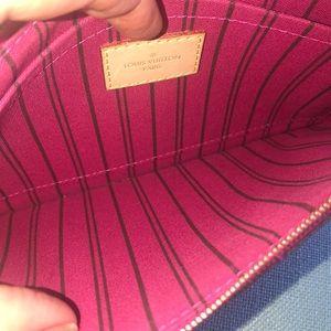Louis Vuitton Bags - Authentic Louis Vuitton Brown leather Pochette